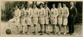 Salem College varsity basketball team, 1927.