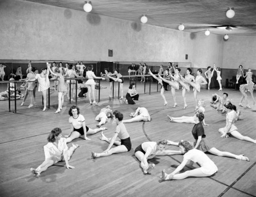 RockettesWorkout1939