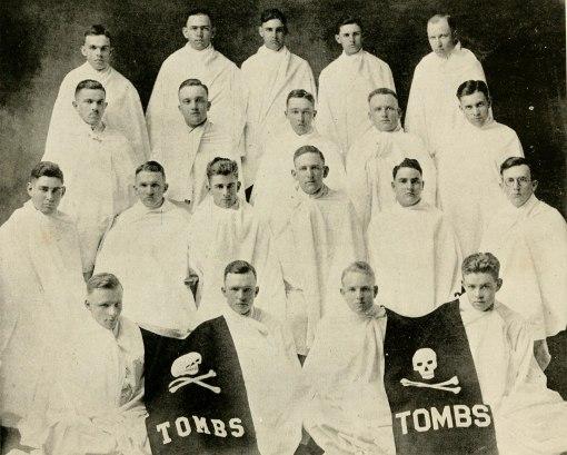 tombs1918