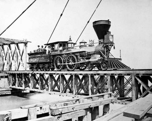 Early Richmond & Danville locomotive and tender